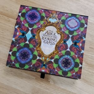 Urban Decay Alice Through the Looking Glass Eyes